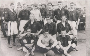 1910 Two blue stars on red shirts. Such kits were used since the merger with Jenkner team in 1907 till 1910/1911.